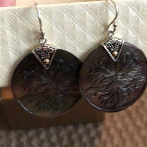 Jewelry - Black mother of pearl earrings